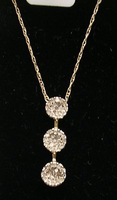 5111: 14KY .25ctw Diamond Round Cluster Drop Necklace