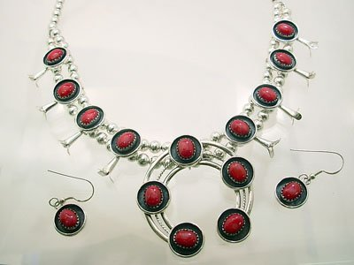 3107: SSilver Dyed Coral Oval Horseshoe Neck Earring Se