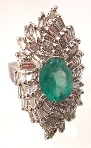 3211: 14KW 2.45ct Emerald Oval 3.68ct Dia Bag Ring APP$