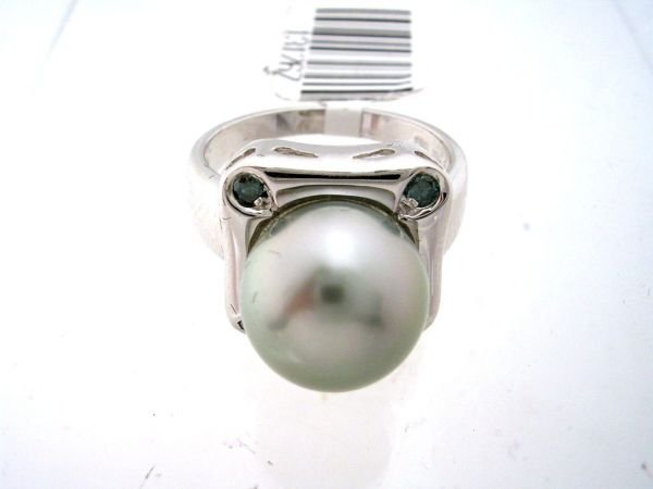 4161: 14KW 10mm Tahitian pearl .15ct Diamond ring