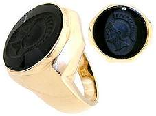 384: 10YG Black Onyx trojan mans ring