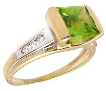 3261: 10KY 1ct Emerald cut Peridot diamond ring: 757388