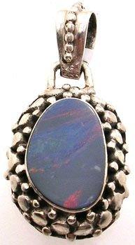 253: SSilver Boulder Opal pendant: 718180