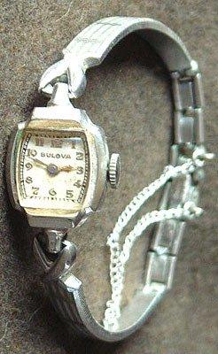 2266: 10KY GF VINTAGE BULOVA Ladies Wristwatch 17J: 841