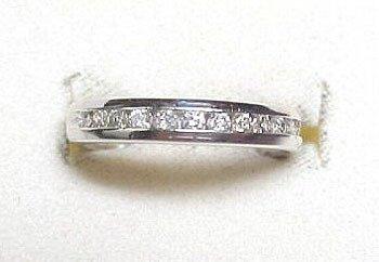 2271: Platinum .33cttw Round Diamond Wedding Band: 8417