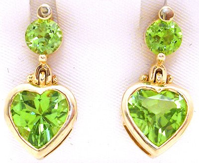 3564: 14KY 4.25CT Peridot Heart Earrings
