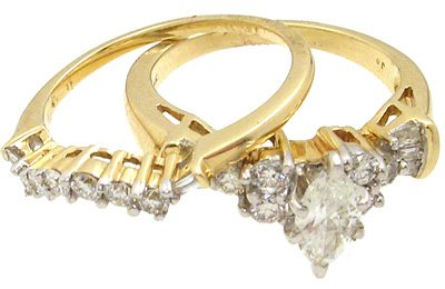 3642: 14KY 1cttw Diamond marquise wed set ring