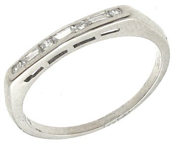 4250: 14KW .25cttw Diamond Bagguette Round Ring, 841893