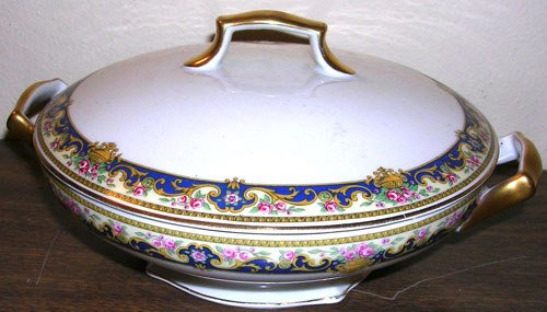 275: Limoges France Fancy Casserole & Lid Sgnd T&V
