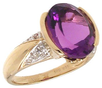 4558: 14KY 4.65ct Amethyst .14ct Dia Ring