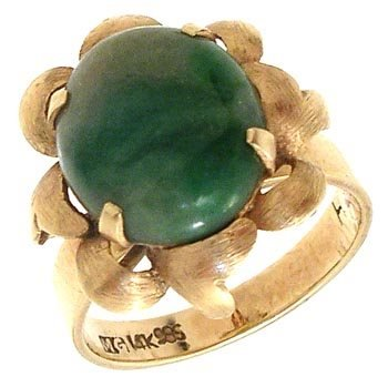 366: 14KY Vintage Guetemalan Jade Ring