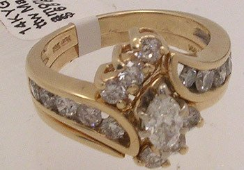 816: 14KY 1.50cttw Marquise Diamond wedding Ring