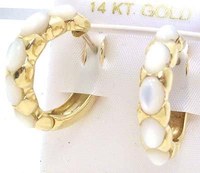 5005: 18KY 6ct Opal Oval Earrings