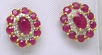 2401: 14KY 2.1ct Ruby Oval Round Diamond Earring