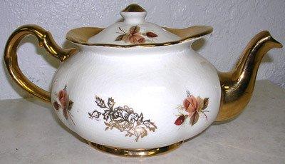 3424: Lovely Price 50th Golden Wedding Anniv. Tea Pot