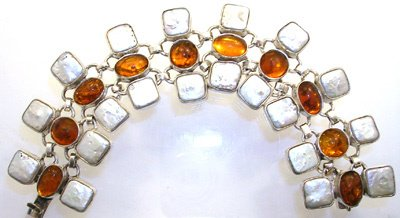3809: SSilver Amber and Pearl bracelet