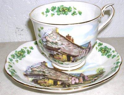 4423: Beautiful Royal Albert Fine China Tea Cup & Sauce
