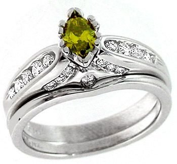 2004: WG .27ct Yellow Diamond marq .41ct Dia ring