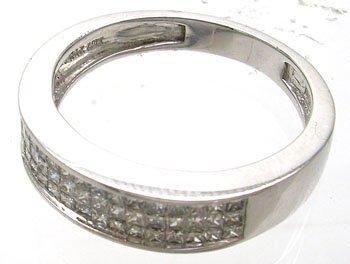 1377: 14KW .50ct Diamond Ladies Ring Band ring