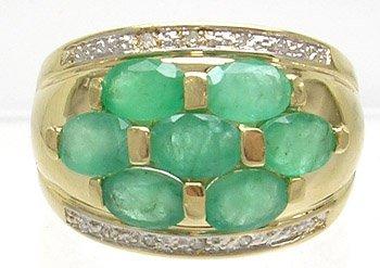 1379: 14KY 2ct emerald 7 oval Diamond Ring