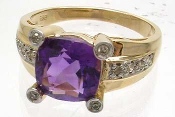 1658: 14KYG 2.01 ct Amethyst Cushion Diamond Ring