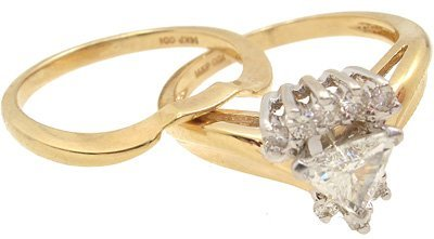 10013: 14KY .55cttw Diamond triangle wed set Ring