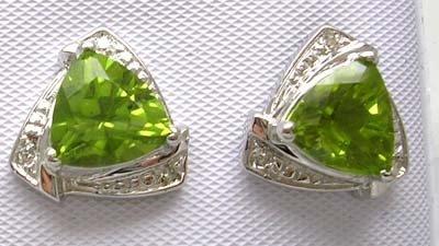 2829: 14KW 3.49ct Peridot Trillion Diamond Earring