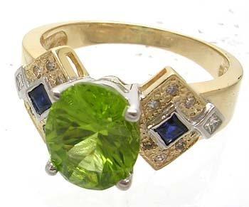 2830: 14KY 4ct Peridot .20ct Blue Sapphire & Diamond Ri