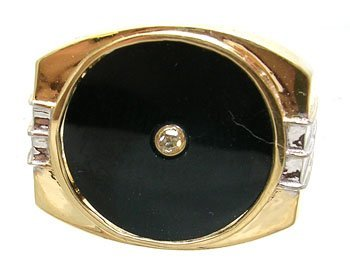 3832: 18KY Diamond and Onyx ring
