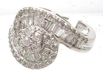 3862: 14KW HUGE 1.5ct Diamond Bagg Round Swirl Ring