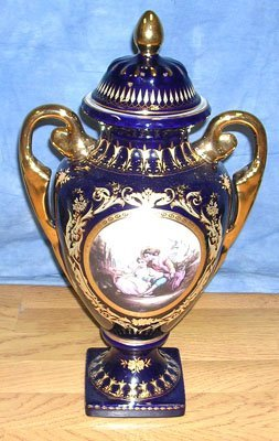647: FRENCH SEVRES SIGNED VICTORIAN LOVERS JAR 18