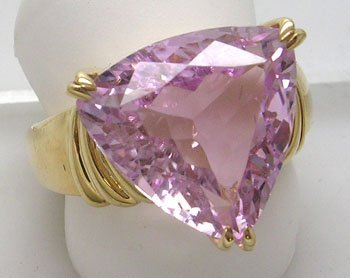 681: 14KY 12.5ct Kunzite Trillion Ring