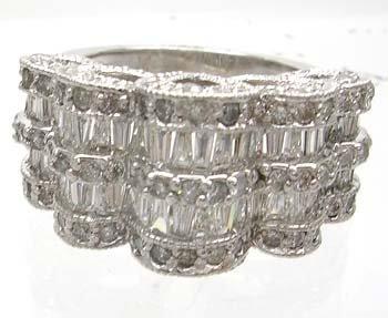 689: 14KW 2.8ct Diamond Bagguette Round Filligree Ring