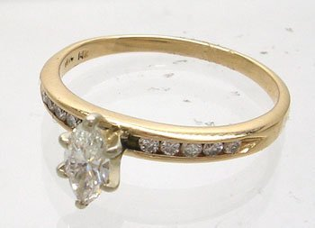 1250: 14KY .30cttw Diamond Marquise Round Ring