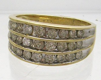 837: 10KY 1cttw Diamond 3 row Channel set ring