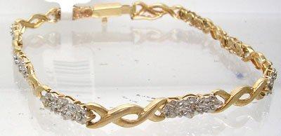 414: 14KY .25cttw Diamond Flower Bracelet