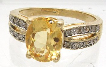 630: 14KY 2.24ct Imperial Topaz .14cttw Diamond Ring