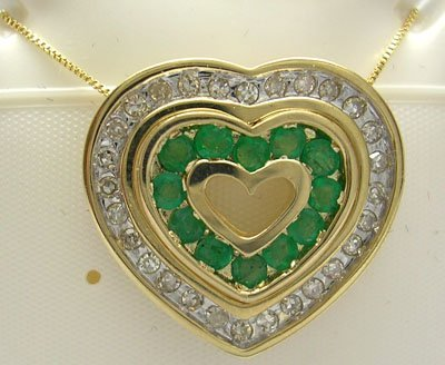604: 10KY.48ct Emerald .20ct Diamond Heart Necklace
