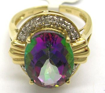 629: 14KY 7ct Mystic Fire Topaz .11ct Dia Ribbed Ring