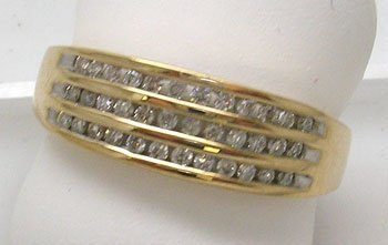 1100: 10KY.25cttw Diamond Channel Band