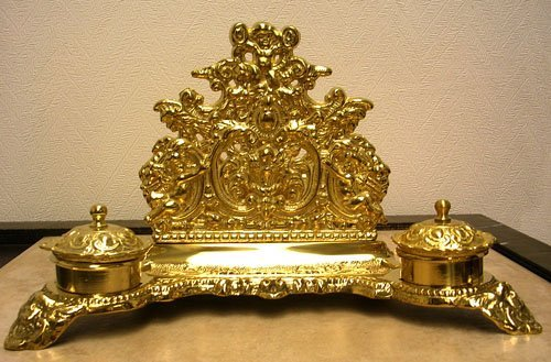 15014: Ornate Brass Desk Top Inkwell