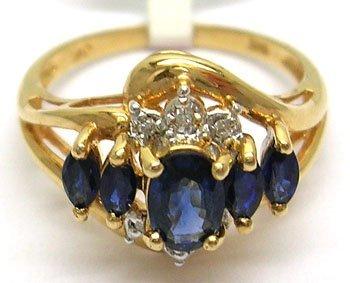 608: 10KY 1cttw 5 Blue Sapphire Diamond Ring