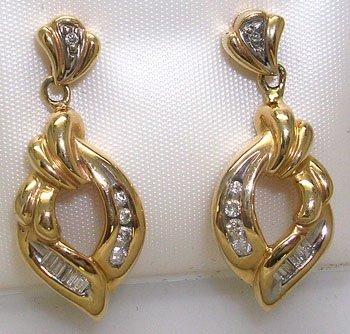 917: 10KY .20cttw Diamond Swirl Dangle Earring