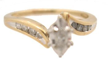 1125: 10KY Diamond Marq Round Set Ring