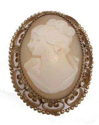1151: Gold Filled Vintage Cameo Brooch