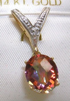 1900: 14KY 4.50ct Twilight Topaz Oval Dia V pendant