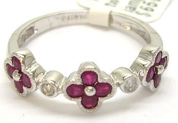 1903: 14KW .36cttw Round Ruby Diamond Flower Ring