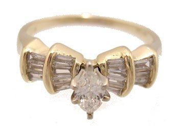 1601: 14KY.64cttw Diamond Marquise Ctr Bag Wedding Ring