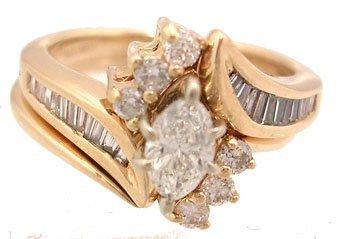 1602: 14KY .73cttw Diamond Marquise Ctr Wedding Set Rin