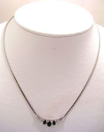 1905: 10KW 1.25ct Sapphire Oval .12ct Diamond Collar Ne